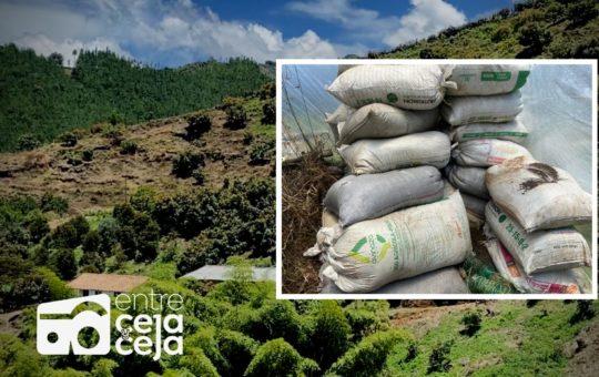La Ceja: productores agrícolas reciben 150 toneladas abono orgánico cada mes, sin costo.