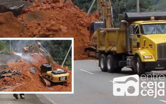 Alrededor de 10 mil metros cúbicos de tierra cayeron sobre la vía Medellín-Costa Atlántica.